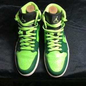 Nike Air Jordan Retro 1 (HULK) Men's sz 11.5